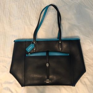 NWT Coach Navy and Teal Zip Top Tote